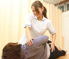 吹田市江坂まほろば鍼灸整骨院:産後の骨盤矯正の施術写真